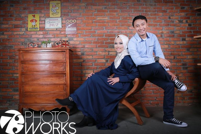 contoh-foto-prewedding-studio-indoor-interior-bata-merah-sawangan-depok-gaun-jas-by-73-photography