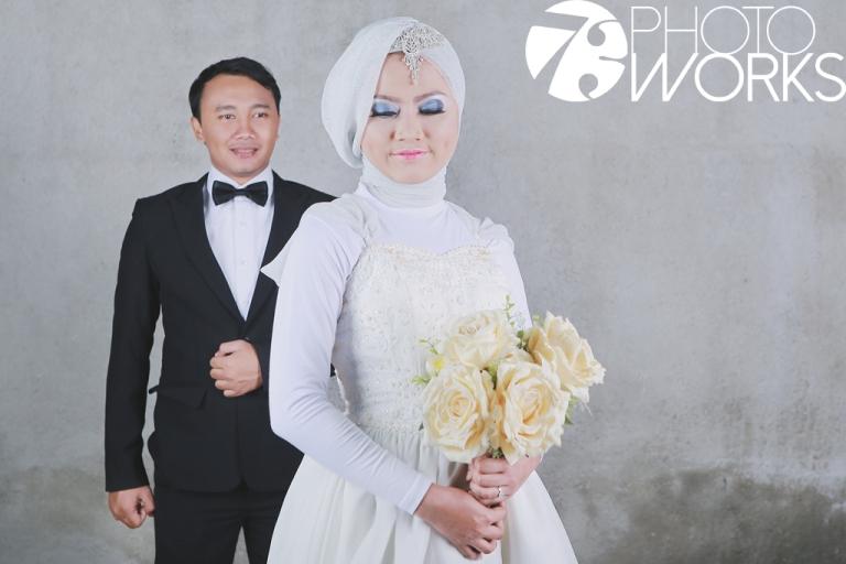 contoh-foto-prewedding-studio-indoor-sawangan-depok-gaun-jas-by-73-photography-2