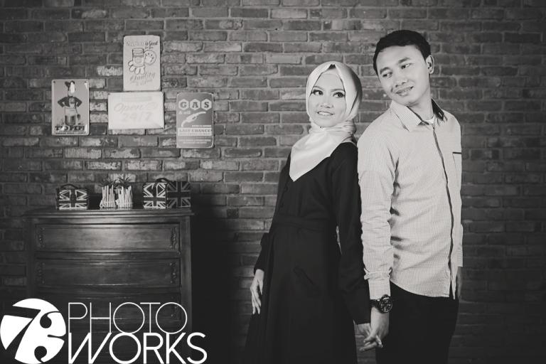 foto-prewedding-studio-indoor-sawangan-hijab-muslim-depok-gaun-jas-by-73-photography