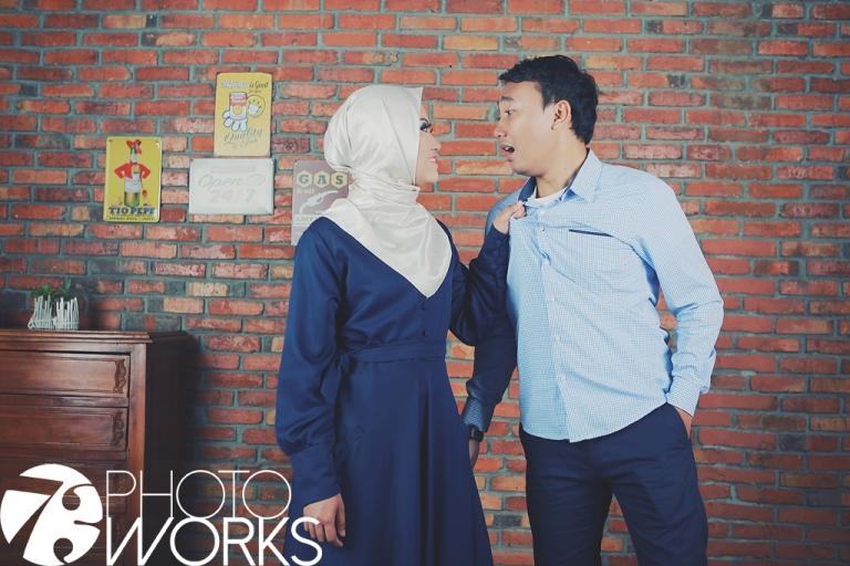 paket-foto-prewedding-studio-indoor-tarik-baju-casual-sawangan-depok-gaun-jas-by-73-photography