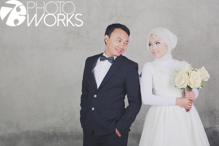 sample-foto-prewedding-studio-indoor-sawangan-depok-gaun-jas-by-73-photography