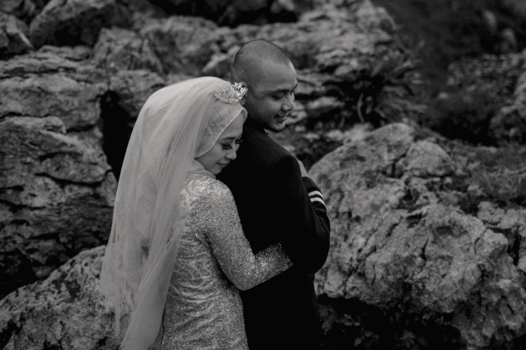 foto-foto unik prewedding di gunung batu