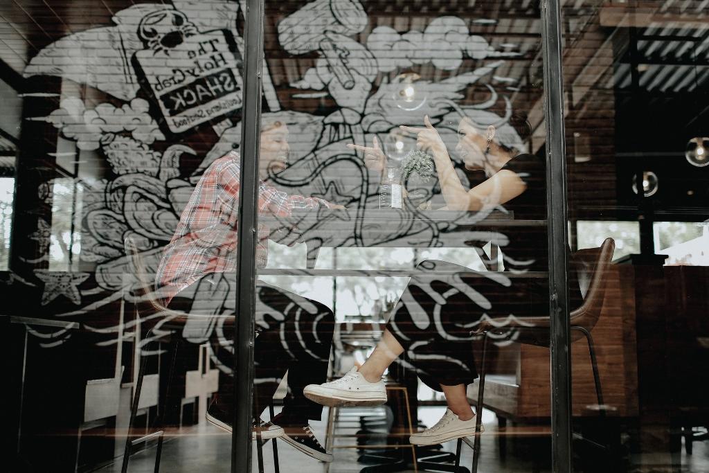 foto-prewedding-di-cafe-jakarta-depok