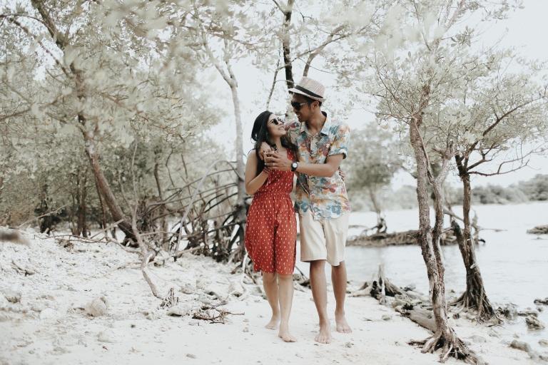 prewedding outdoor tanjung lesung