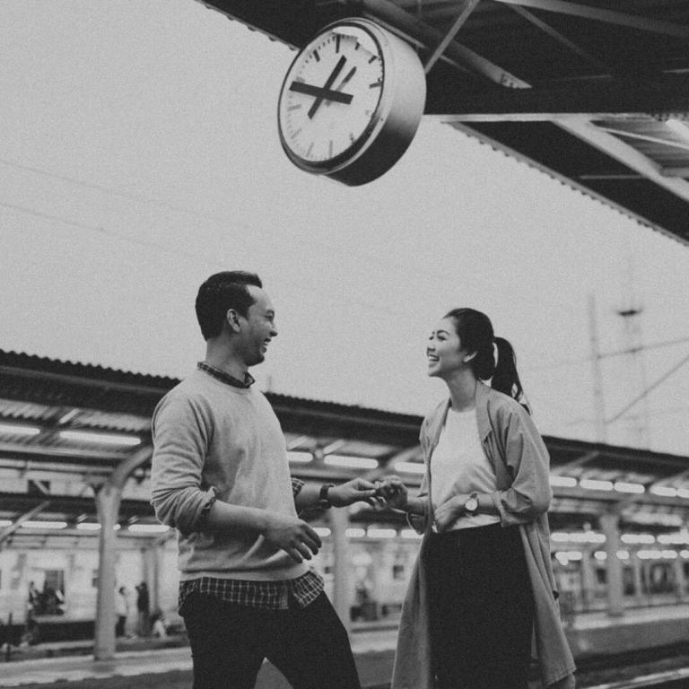 foto-foto-prewedding-di-stasiun-kota