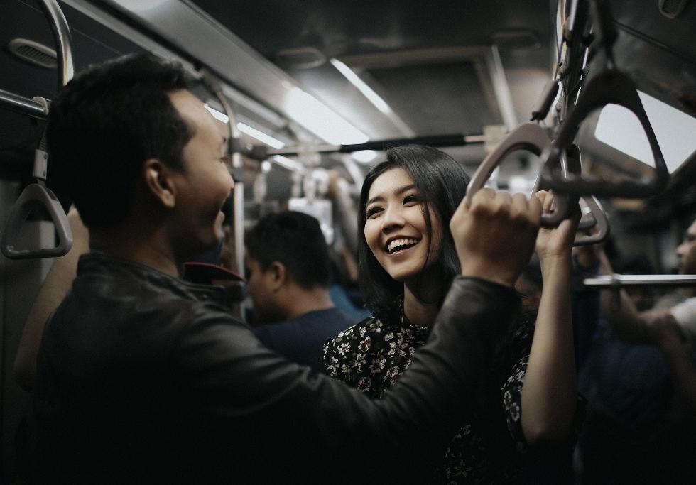 paket-foto-prewedding-di-transportasi-jakarta