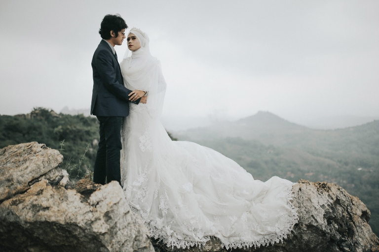paket-prewedding-outdoor-di-gunung-batu
