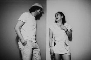contoh-foto-prewedding-hitam-putih